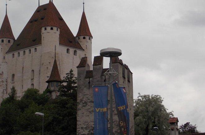 Das Elite befindet sich neben dem Schloss