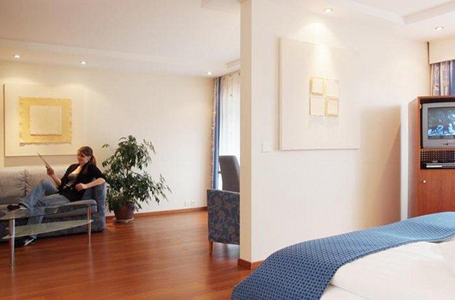 Grosszügiges Doppelzimmer im Hotel Holiday