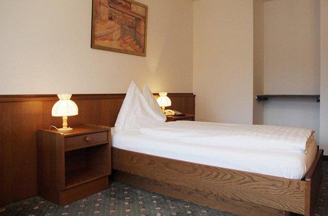 Einzelzimmer im Hotel Holiday