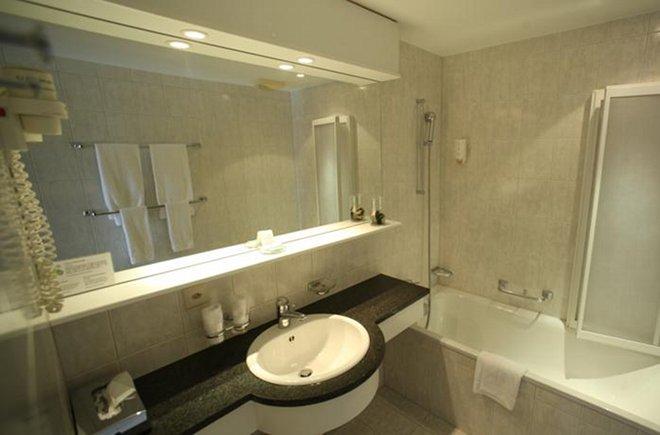 hotel krone thun hotels thun. Black Bedroom Furniture Sets. Home Design Ideas