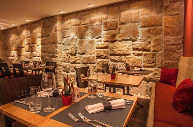 Rustikal eingerichtetes Restaurant Krone